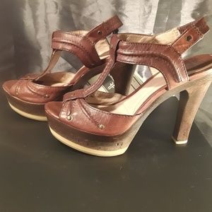 Frye Shoes - FRYE Genuine Leather and Cork Open Toed Pumps